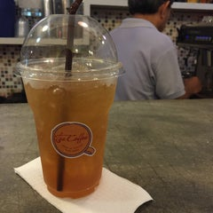 Photo taken at Tee Coffee by Fonear⛵️ on 5/29/2015