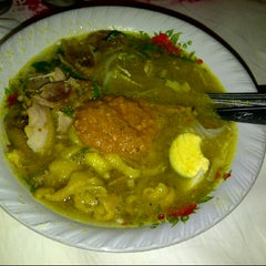 Photo taken at Warung Soto H. Syafik by tetra dandei on 7/1/2013