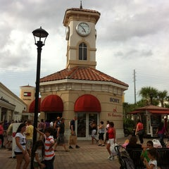 Photo taken at Orlando International Premium Outlets by Zoran on 10/15/2012