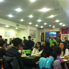 Photo taken at Joe's Shanghai 鹿鸣春 by Charles on 12/9/2012