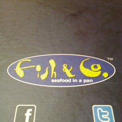 Photo taken at Fish & Co.™ by Tri D. on 11/4/2012