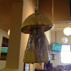 Photo taken at Mellow Mushroom by Jeff R. on 10/14/2012