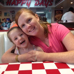 Photo taken at Happy Days Diner by Dan W. B. on 1/24/2015