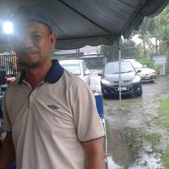 Photo taken at Jalan Lengkongan, Kulai, Johor by Zulkhairi H. on 9/1/2013