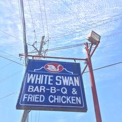 Photo taken at White Swan Bar-B-Que & Fried Chicken by Allen R. on 8/2/2015