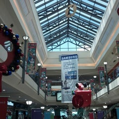 Photo taken at Unicenter Shopping by Richard M. on 11/21/2012