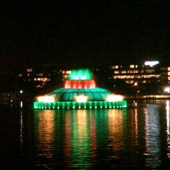 Photo taken at Lake Eola Park by Will Thrillz on 12/1/2012
