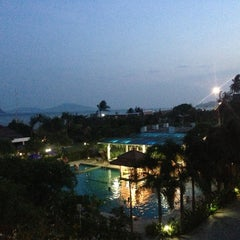 Photo taken at Chalong Beach Hotel & Spa by KOKOS on 1/4/2014