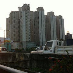 Photo taken at Jalan Tol Pelabuhan by Handy Ramli on 8/23/2013