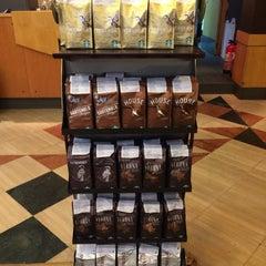 Photo taken at Starbucks | ستاربكس by Toru Y. on 2/4/2015