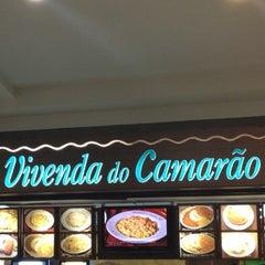 Photo taken at Vivenda do Camarão by Mayumi O. on 10/9/2012