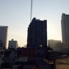 Photo taken at Samran Place Hotel (โรงแรมสำราญเพลส) by Piere on 11/29/2014