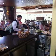 Photo taken at PaneOlio Ristorante & Caffe by Henrique C. on 4/9/2013