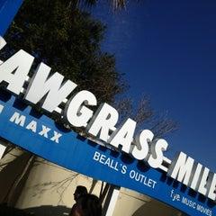 Photo taken at Sawgrass Mills by Kseniya К. on 12/21/2012