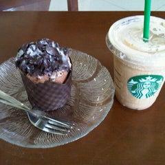 Photo taken at Starbucks by Ferdinand H. on 10/5/2012