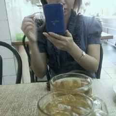 Photo taken at Restoran Nasi Ayam Malaysia by Mimie N. on 11/29/2012