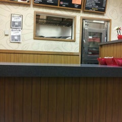 Photo taken at Pizza Hut by Jay D. on 1/9/2013