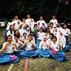 Photo taken at SMA Negeri 5 Surabaya by Nurizzah Farahiyah S. on 2/21/2015