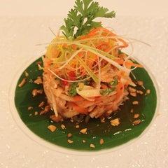Photo taken at Shiba - Japanese Restaurant by Meydan Hotel on 2/21/2013