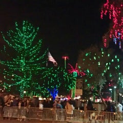 Photo taken at Glendale Glitter And Glow Block Party by Curt F. on 11/25/2012