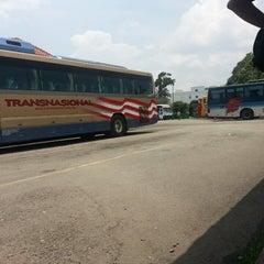 Photo taken at Medan Gopeng Bus Terminal by mohd aqmal n. on 3/28/2013
