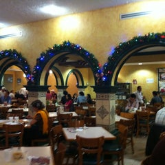 Photo taken at Taquería Juárez by Axel S. on 12/3/2012
