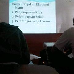 Photo taken at Universitas Pasundan (UNPAS) by ghizull i. on 7/18/2013
