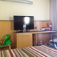 Photo taken at Hotel Catalonia Atenas by ANIK 093 on 10/22/2012
