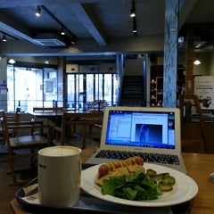 Photo taken at DE CHOCOLATE COFFEE by 정한 엄. on 1/19/2014