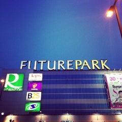 Photo taken at Future Park (ฟิวเจอร์พาร์ค) by Sakdinut S. on 5/30/2013
