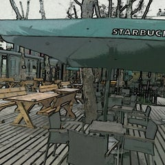 Photo taken at Starbucks by Bozkurt I. on 2/9/2013