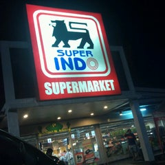 Photo taken at Superindo jatikramat by Dhany S. on 6/17/2013