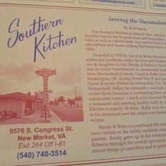 Photo taken at Southern Kitchen Restaurant by Travis P. on 5/10/2014