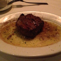 Photo taken at Ruth's Chris Steak House by J S. on 10/14/2012
