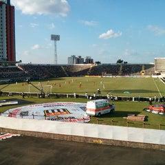 Foto tirada no(a) Estádio Romildo Vitor Gomes Ferreira por Julio A. em 4/21/2013