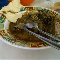 Photo taken at Kantin Rujak Cingur Pak Hadi by Sazya on 12/9/2012