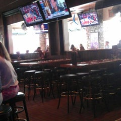 Photo taken at Miller's Coral Gables Ale House by Sixto Rafael V. on 11/13/2012
