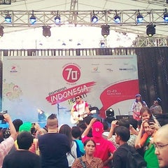 Photo taken at Parkir Selatan Senayan by Krisna P. on 8/23/2015