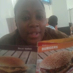 Photo taken at Steers - Donholm by Il C. on 10/16/2012