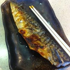 Photo taken at Sushi King by Female Body Inspector. (FBI) on 6/18/2015