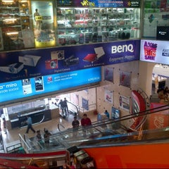 Photo taken at Istana Bandung Electronic Center (BEC) by Alfin A. on 11/2/2012