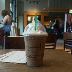 Photo taken at Starbucks by elMeyer on 5/10/2015