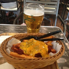 Photo taken at J.S.BURGERS CAFE 新宿店 by mizero on 7/25/2013