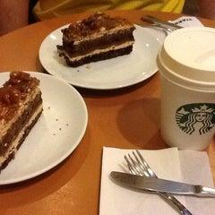 Photo taken at Starbucks by Alberi P. on 6/30/2013