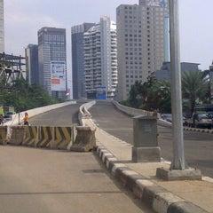 Photo taken at Jalan Layang Non Tol Kp. Melayu - Tanah Abang by S u t j i p t o on 3/15/2013