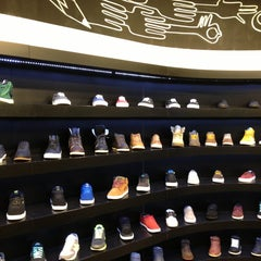 Photo taken at Planet Sports Shoes Store by Bastian B. on 12/21/2012