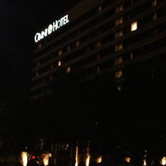 Photo taken at Omni Austin Hotel at Southpark by Bobby U. on 12/4/2012