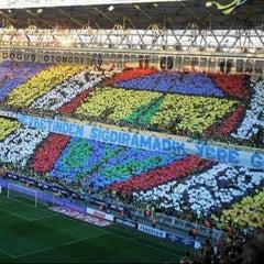 Photo taken at Fenerbahçe Şükrü Saracoğlu Stadyumu by Zeynep C. on 10/24/2013