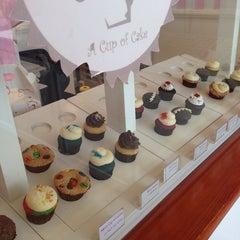 Photo taken at a Cup Of Cake   كوب من الكيك by Tahani H. on 3/17/2014