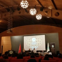 Photo taken at Üsküdar Üniversitesi Nermin Tarhan Konferans Salonu by Büşra A. on 6/15/2015